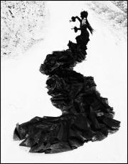 Fotografía en blanco y negro de la bailaora Úrsula López realizada por Ruven Afanador.