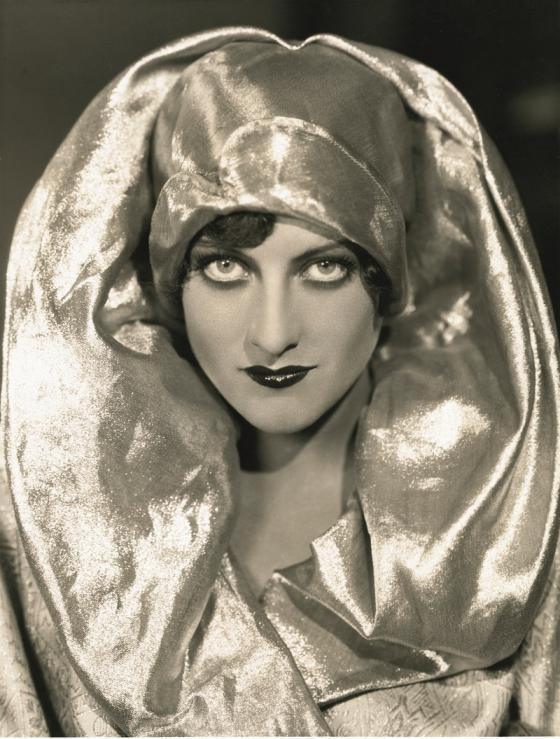 Foto de Ruth Harriet en la exposición Hollywood Icons