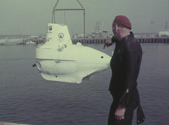 submarino y soldado americano
